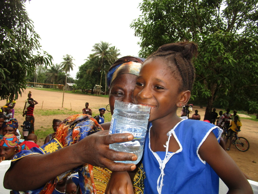 The Water Project : 19-sierraleone5126-clean-water