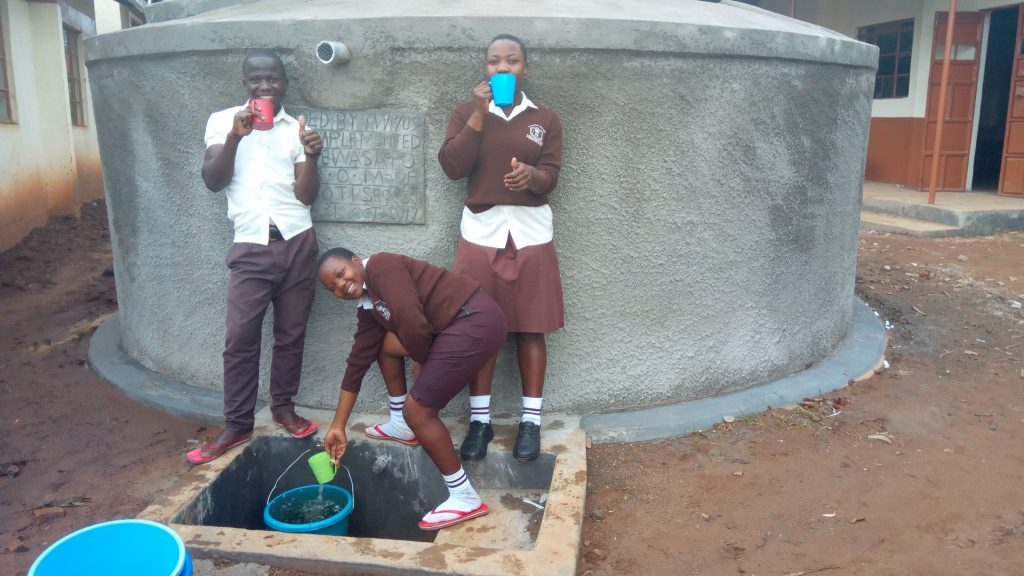 The Water Project : 20-kenya4837-clean-water