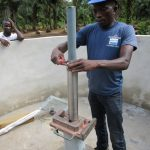 The Water Project : 20-sierraleone5132-pump-installation