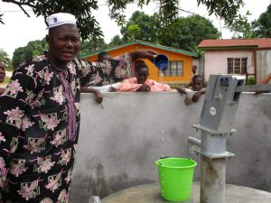 The Water Project : 23-sierraleone5127-clean-water