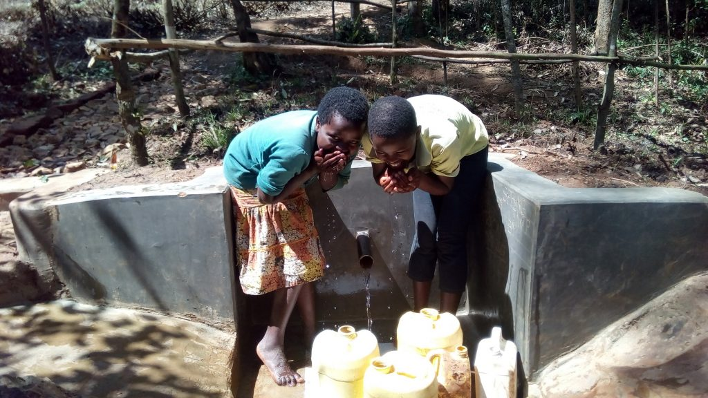 The Water Project : 24-kenya4750-clean-water