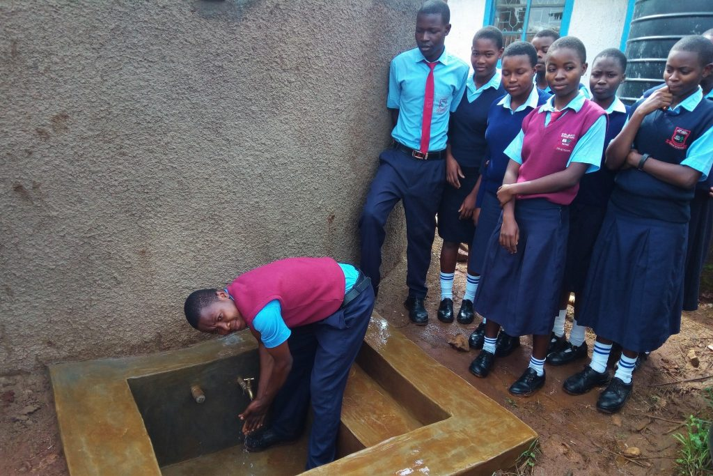 The Water Project : 24-kenya4838-clean-water