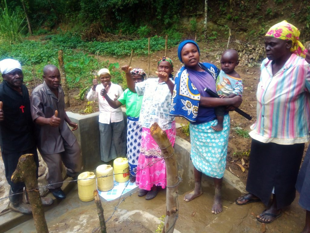 The Water Project : 25-kenya4742-clean-water