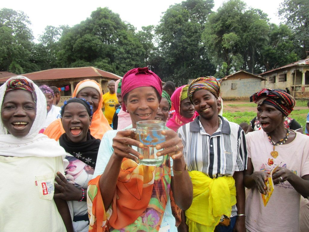 The Water Project : 25-sierraleone5122-clean-water