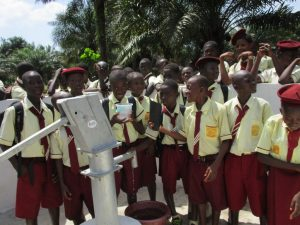 The Water Project : 26-sierraleone5132-clean-water