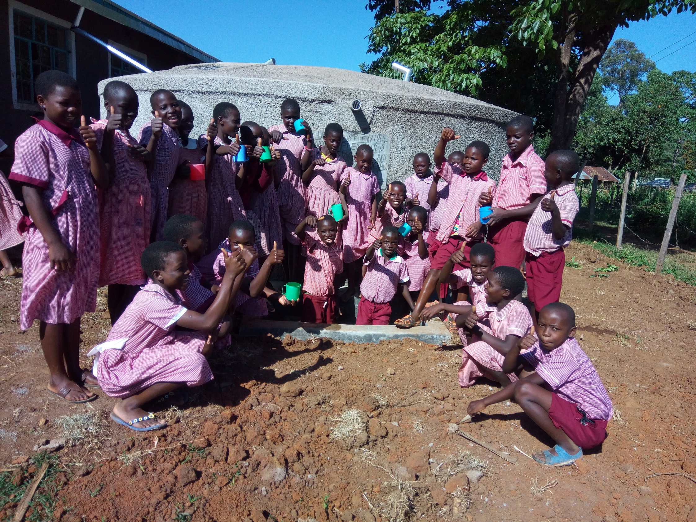 The Water Project : 27-kenya4686-clean-water