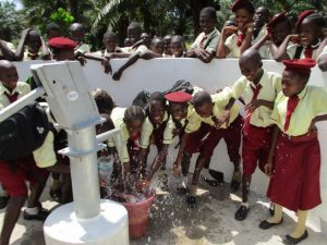 The Water Project : 27-sierraleone5132-clean-water
