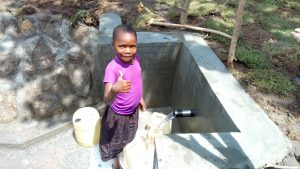 The Water Project : 28-kenya4747-clean-water