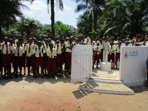 The Water Project : 28-sierraleone5132-clean-water