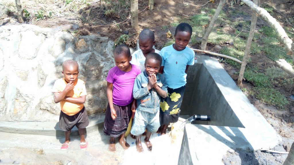 The Water Project : 29-kenya4747-clean-water