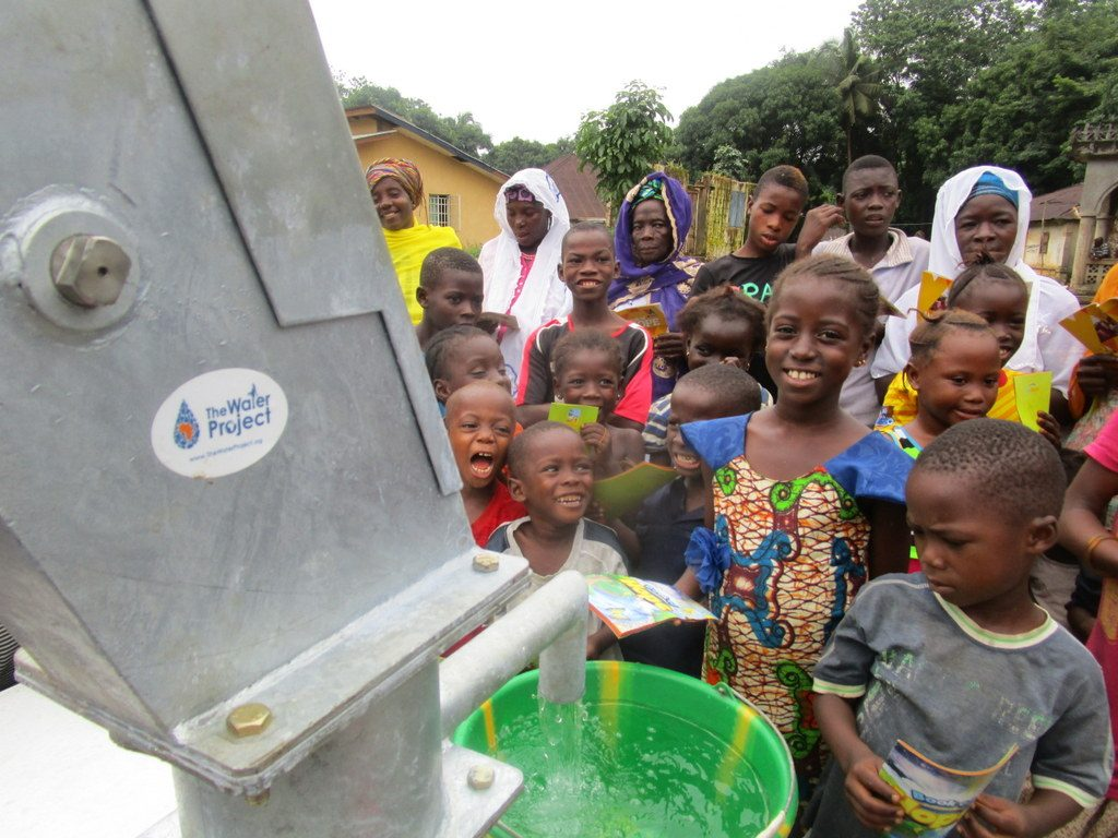 The Water Project : 31-sierraleone5122-clean-water