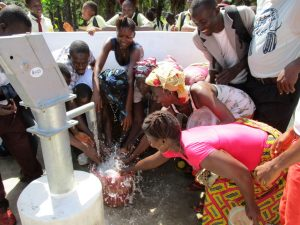 The Water Project : 40-sierraleone5132-clean-water