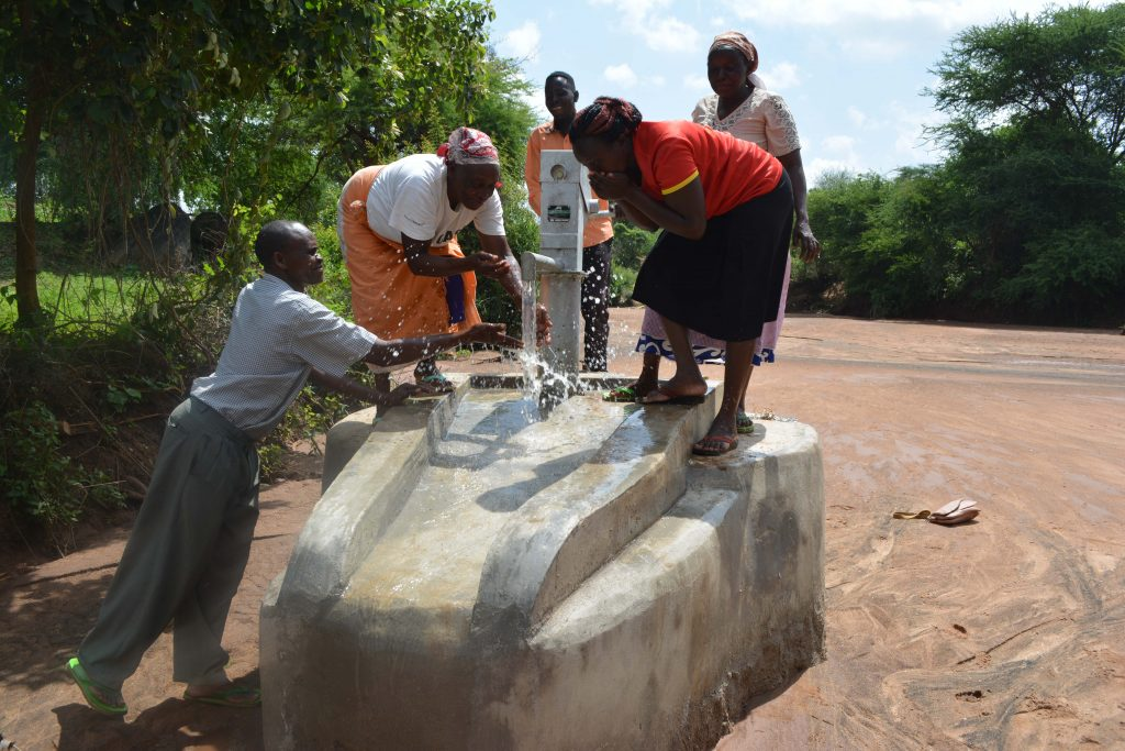 The Water Project : 6-kenya4793-clean-water