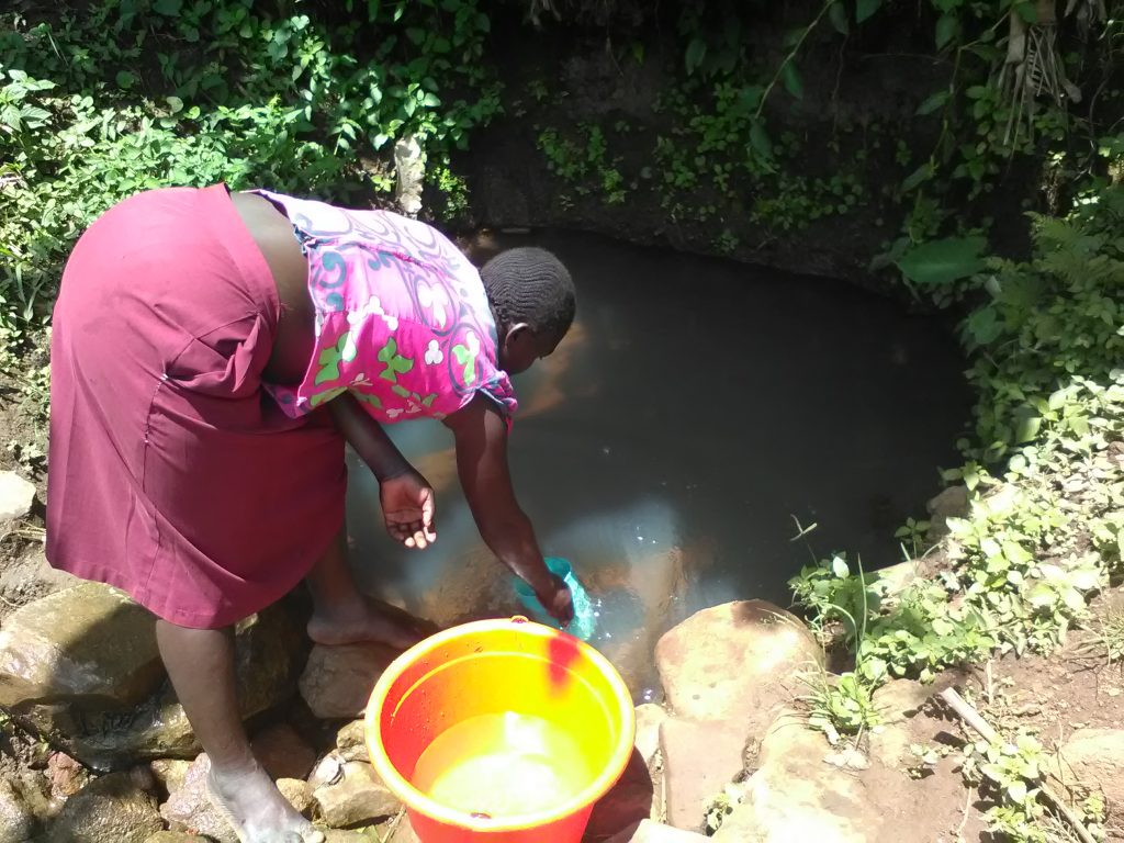 The Water Project : 1-kenya18092-current-water-source