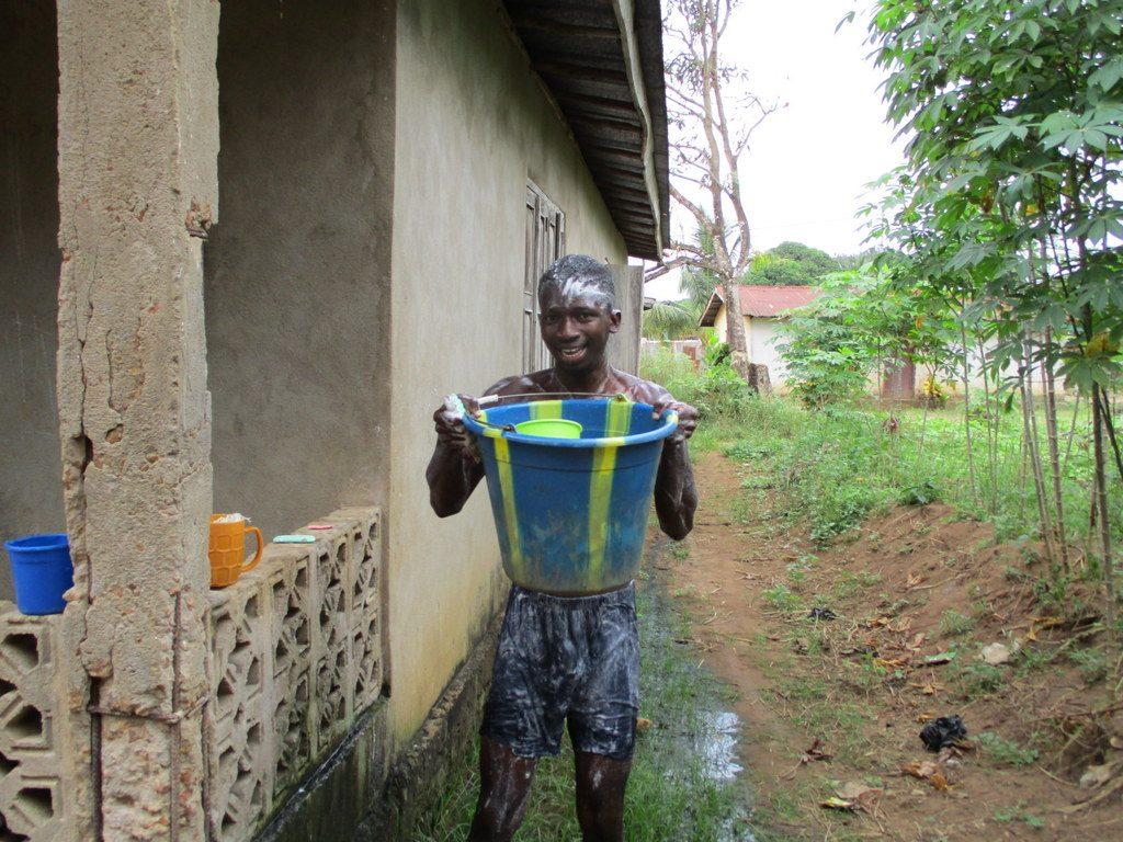 The Water Project : 13-sierraleone18275-community
