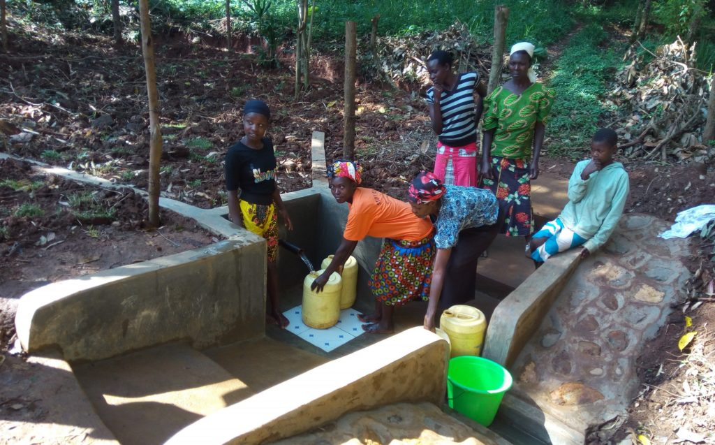 The Water Project : 19-kenya4744-clean-water