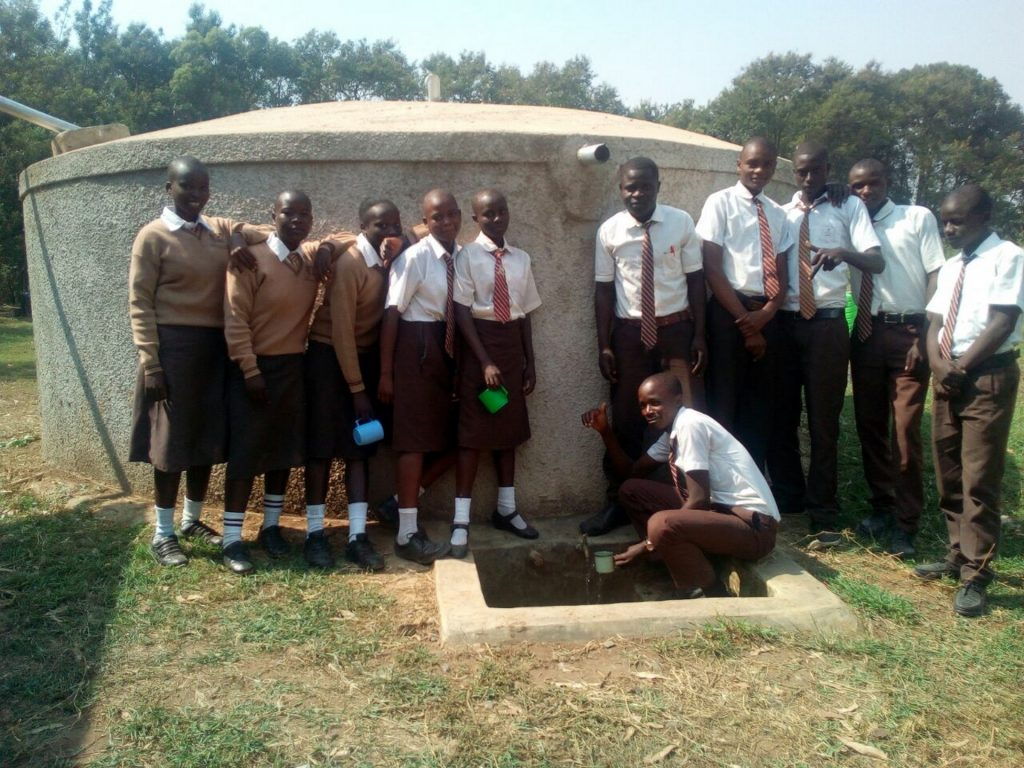 The Water Project : 21-kenya4693-clean-water