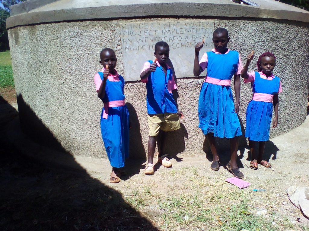 The Water Project : 23-kenya4840-clean-water