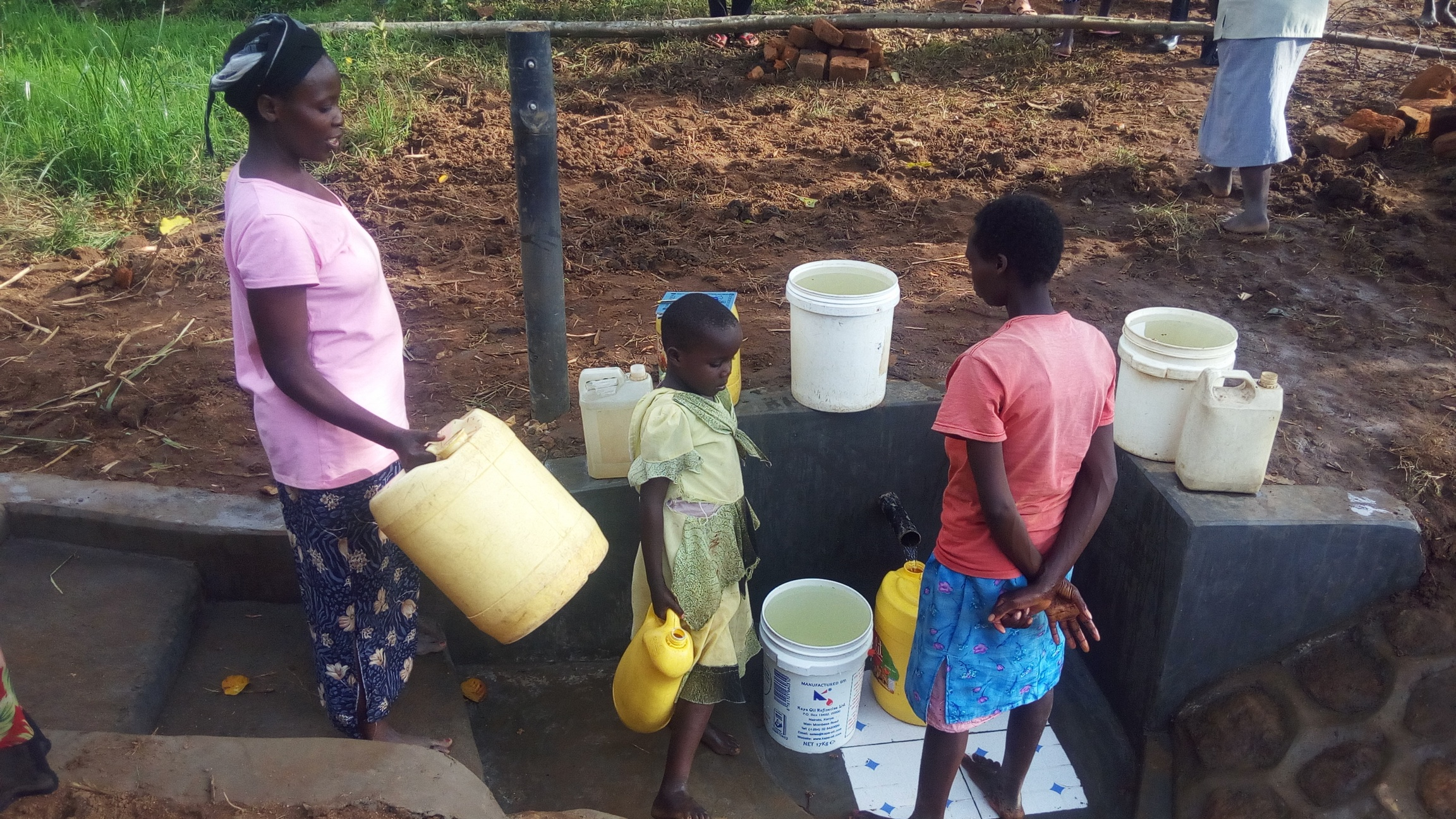 The Water Project : 27-kenya4743-clean-water
