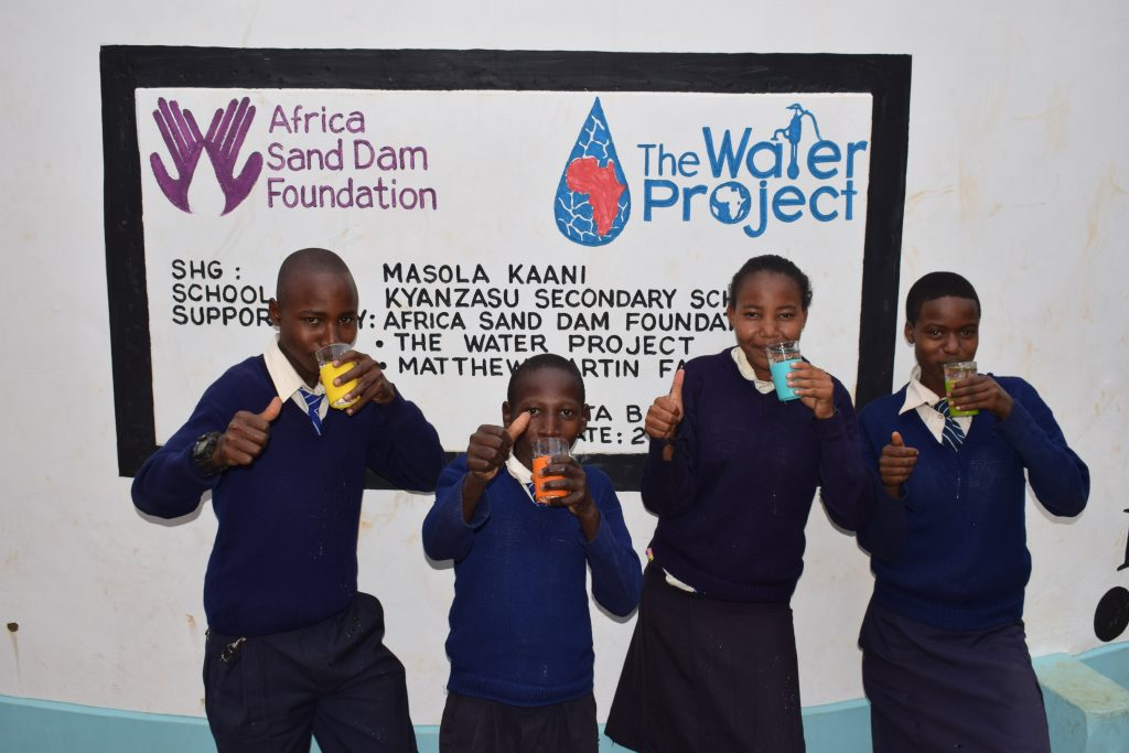 The Water Project : 30-kenya4869-clean-water