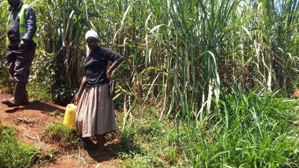 The Water Project : 4-kenya18122-fetching-water