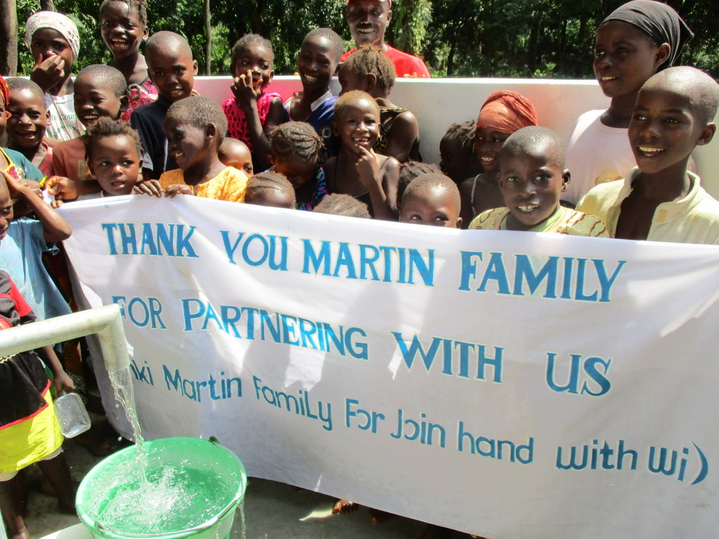 The Water Project : 41-sierraleone5133-clean-water