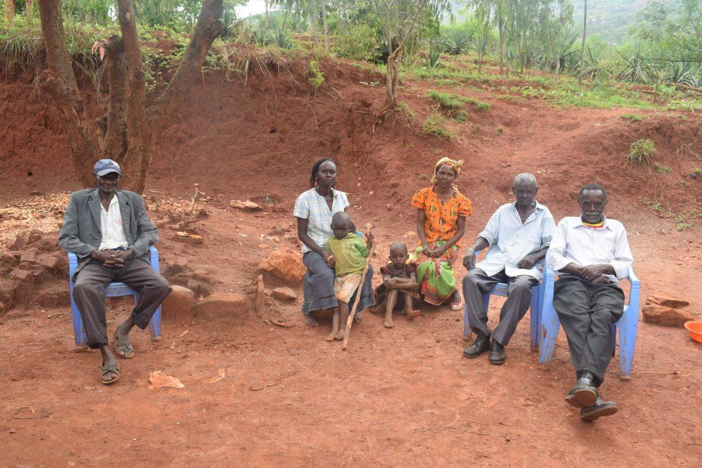 The Water Project : 1-kenya18175-group-members