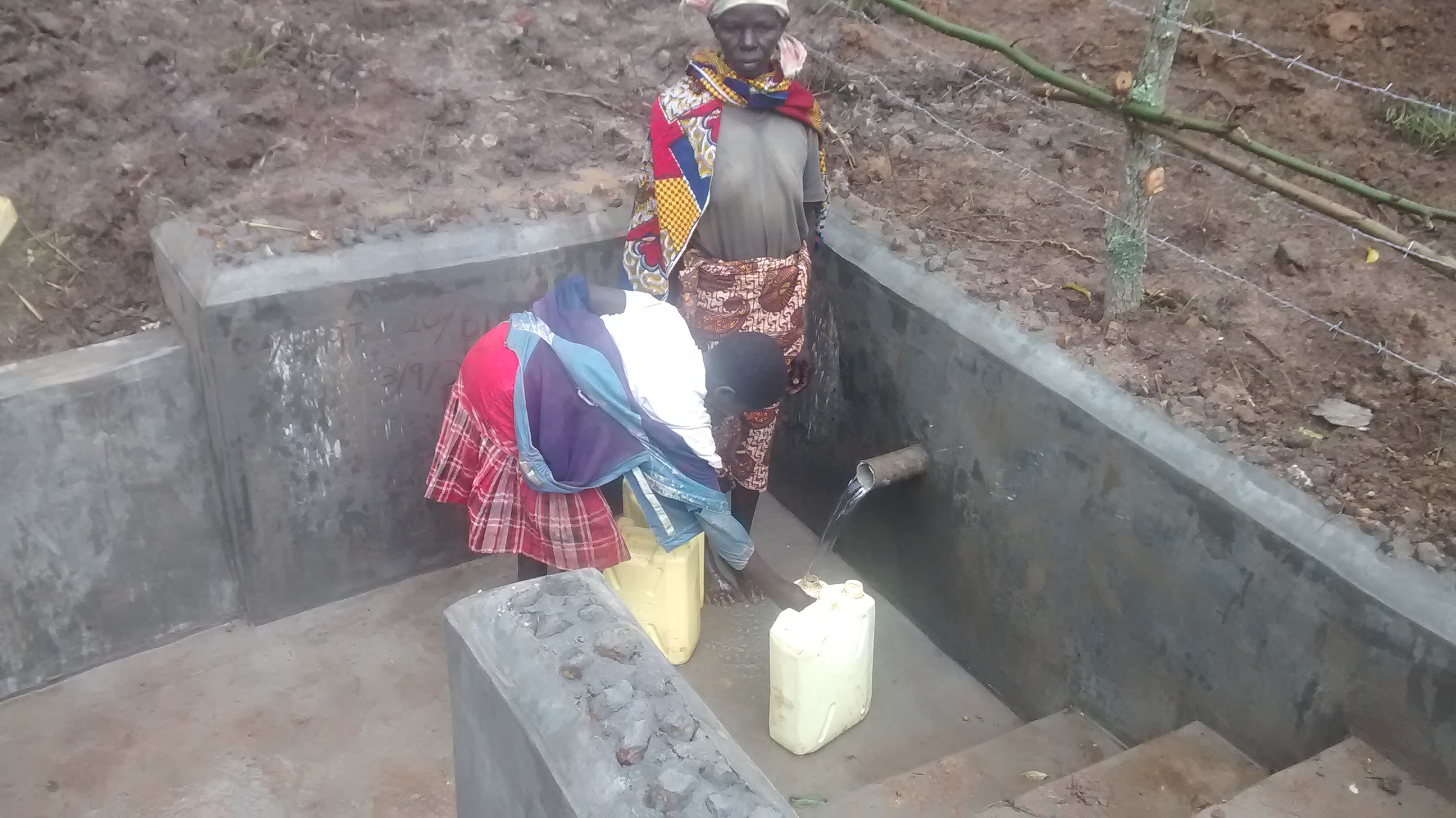 The Water Project : 10-uganda6084-clean-water