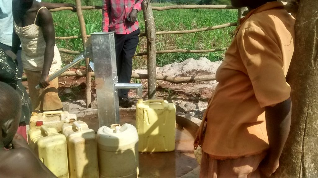 The Water Project : 13-uganda6081-clean-water