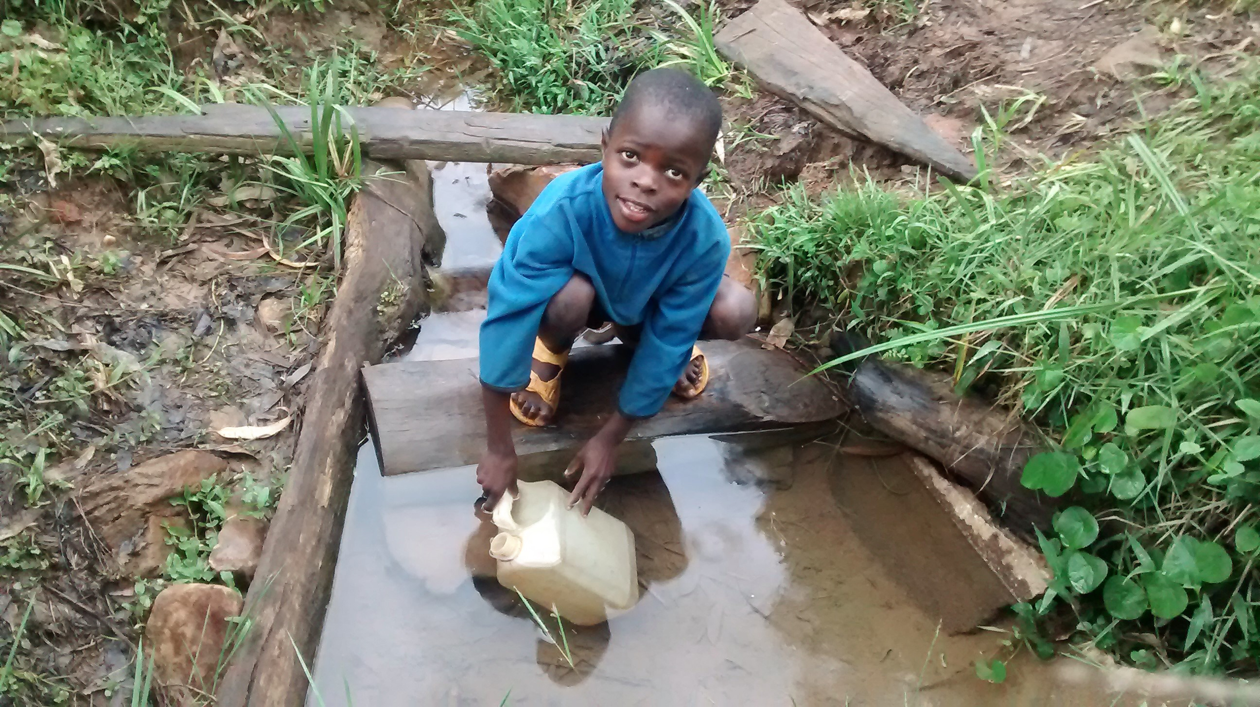 The Water Project : 2-kenya18099-fetching-dirty-water