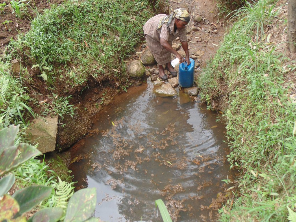 The Water Project : 2-kenya18101-fetching-water