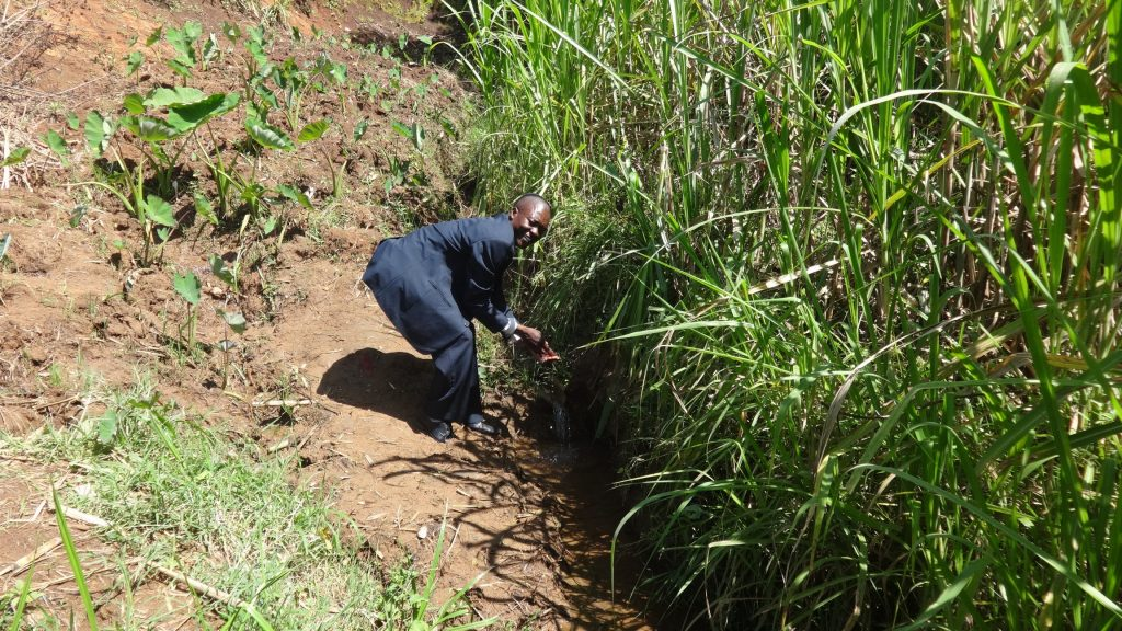 The Water Project : 2-kenya18165-current-water-source