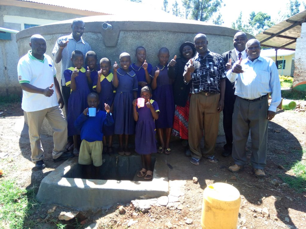 The Water Project : 25-kenya4694-clean-water