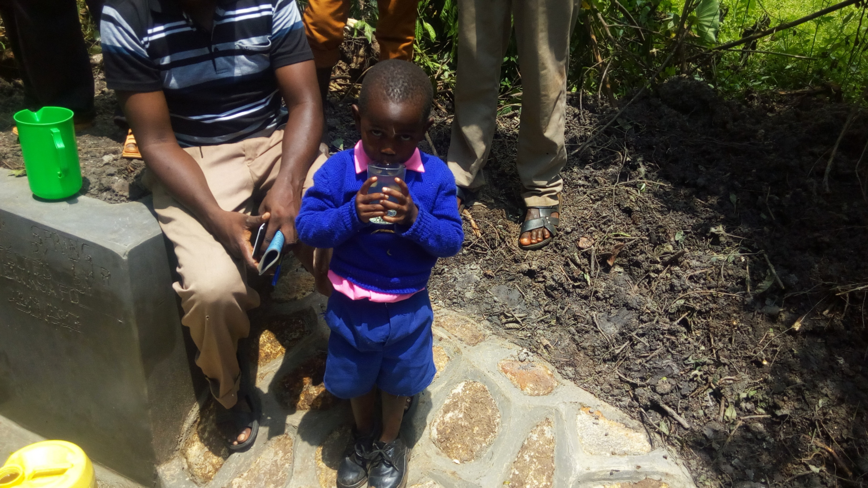 The Water Project : 26-kenya4856-clean-water