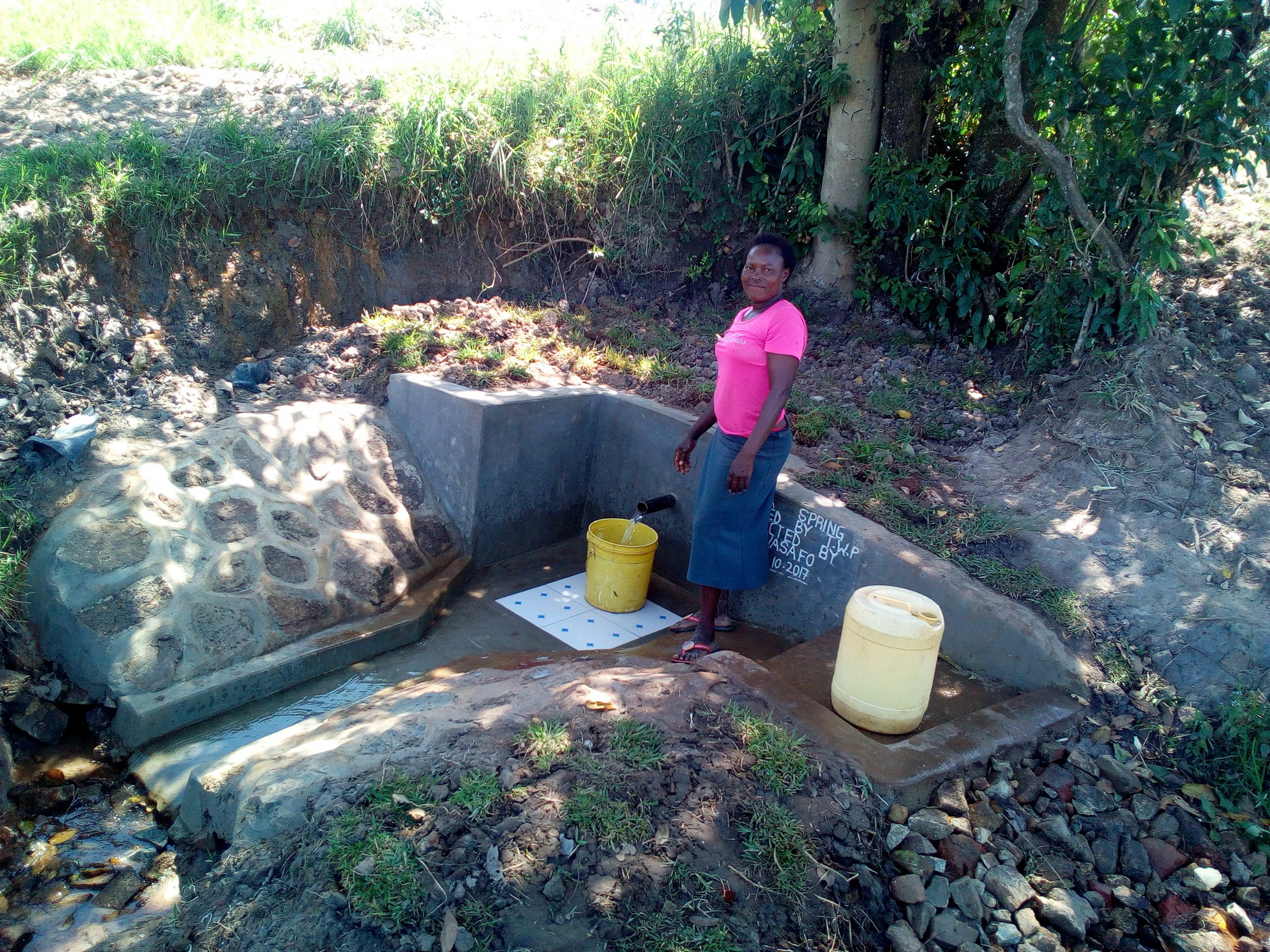 The Water Project : 26-kenya4857-clean-water