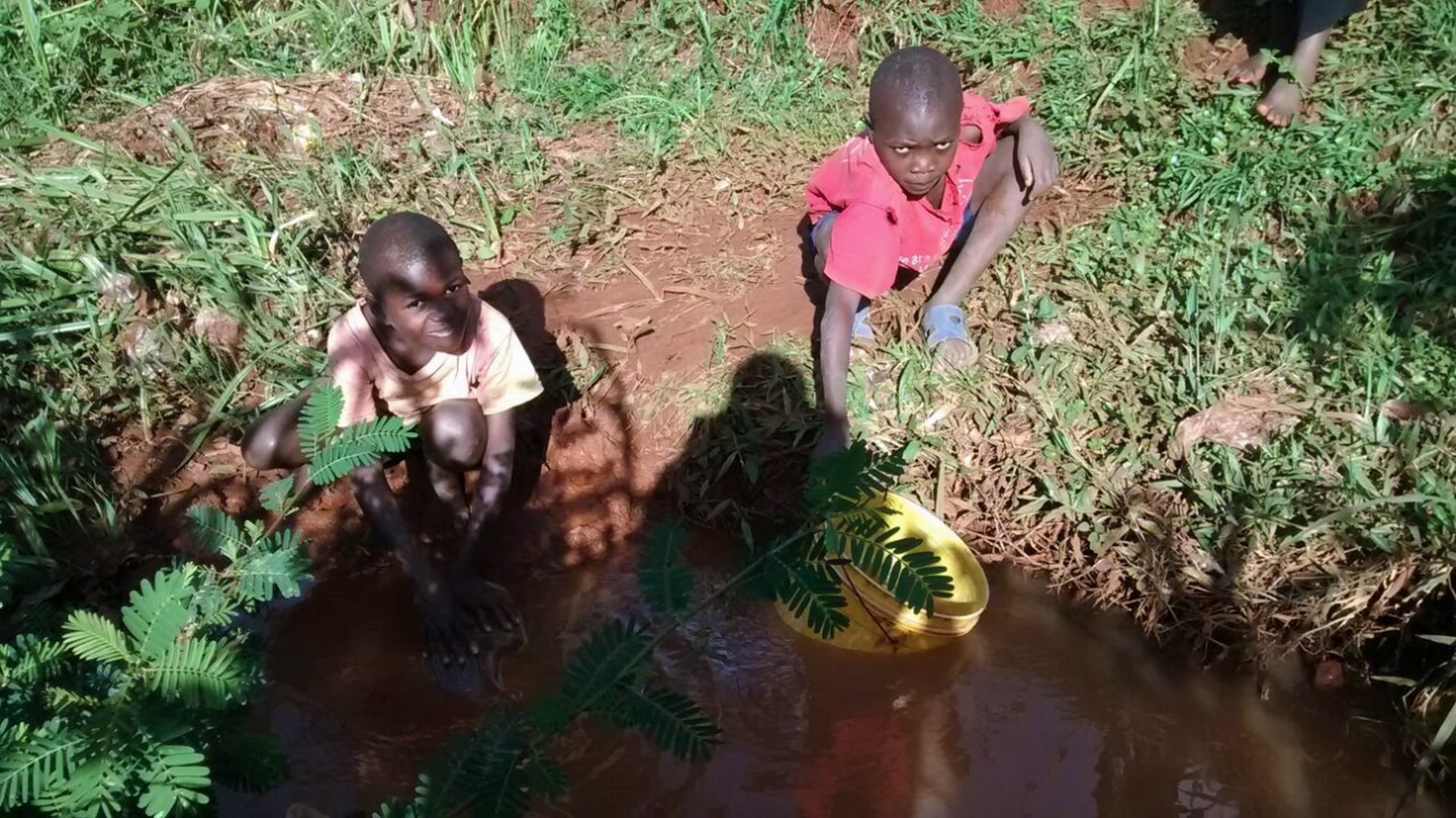 The Water Project : 3-kenya18094-current-water-source