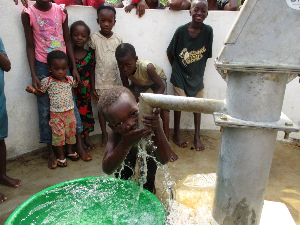 The Water Project : 34-sierraleone5134-clean-water-2