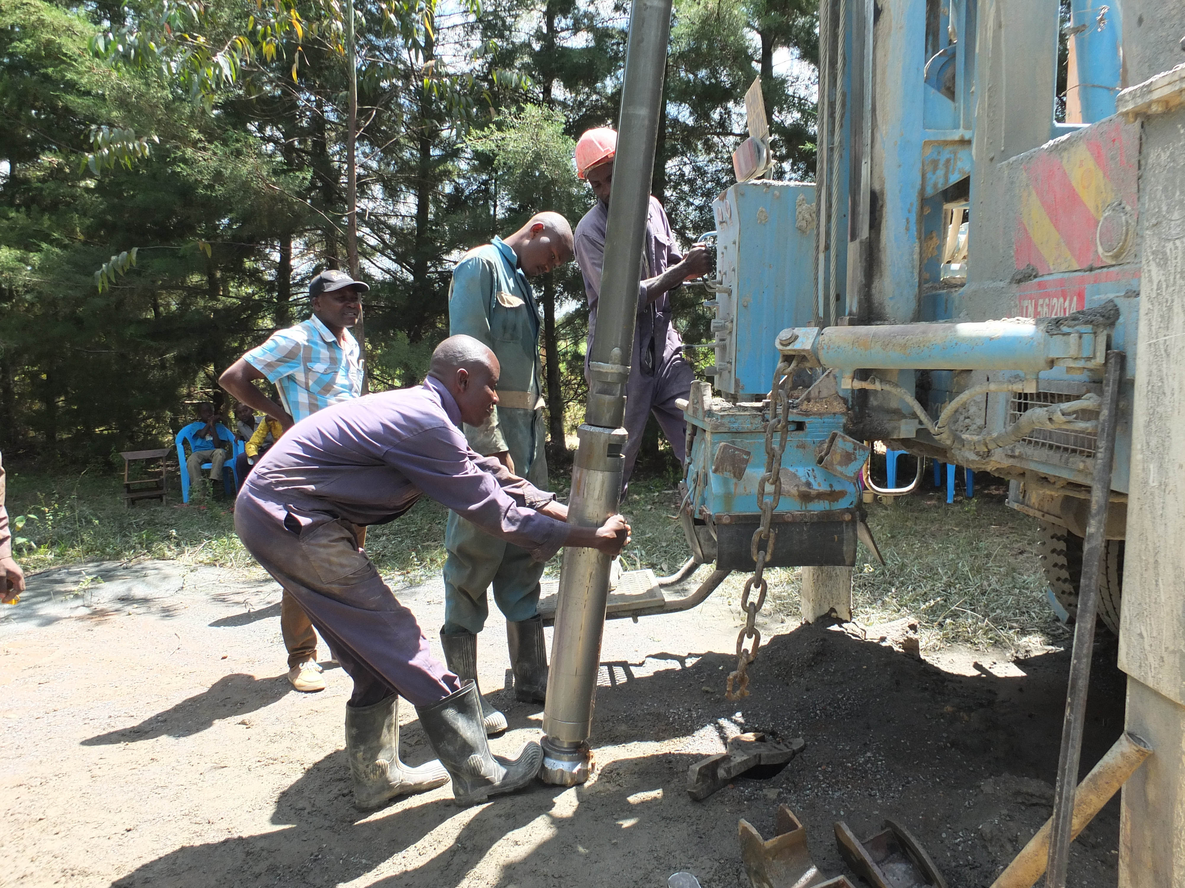 The Water Project : 35-kenya4804-drilling