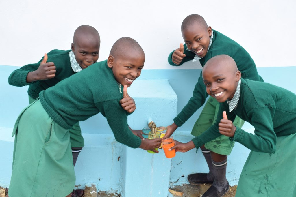 The Water Project : 39-kenya4872-clean-water