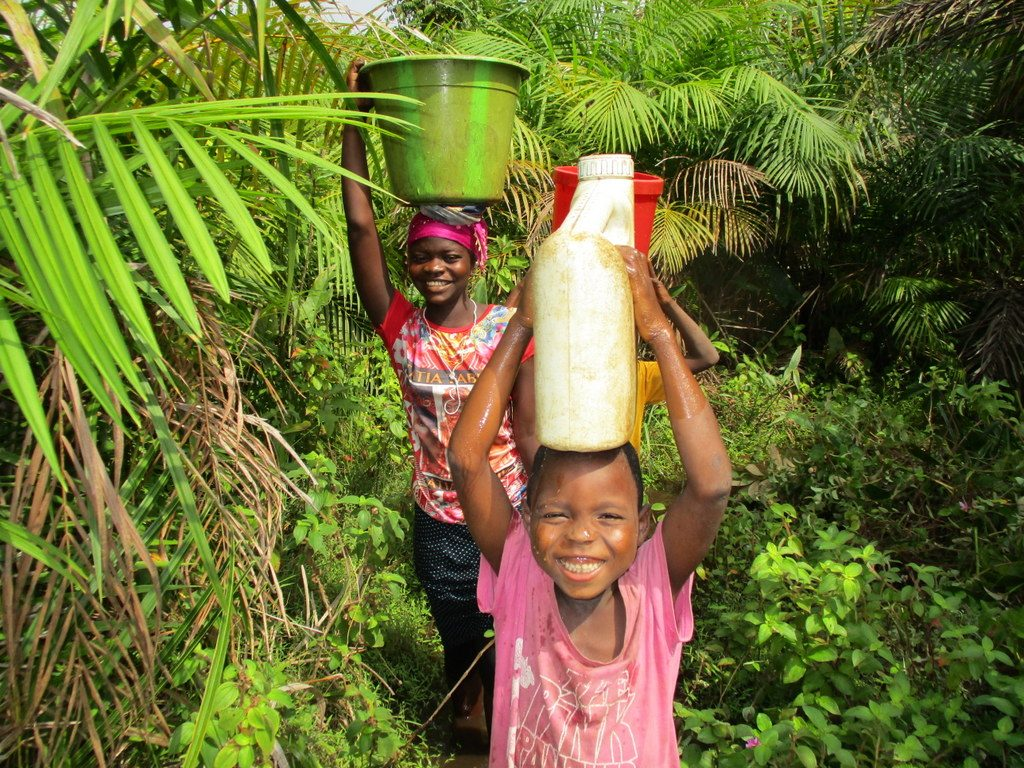 The Water Project : 5-sierraleone18251-carrying-water