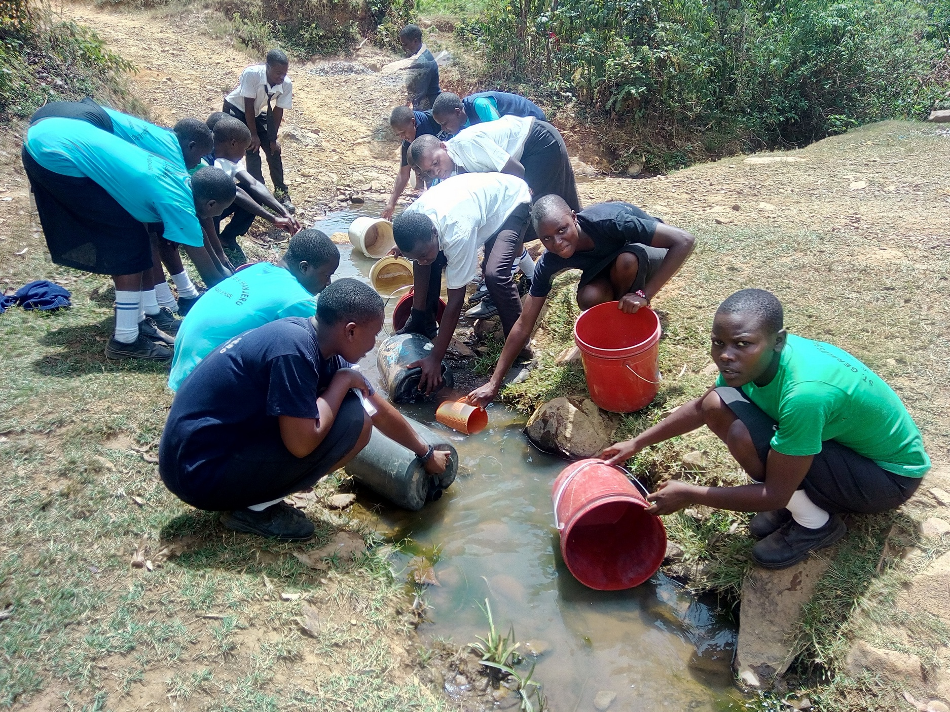 The Water Project : 7-kenya18037-fetching-water