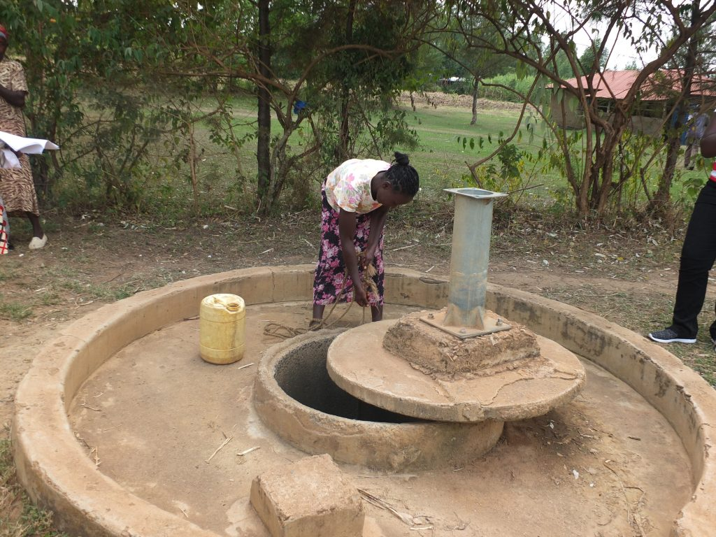 The Water Project : 1-kenya18285-current-water-source