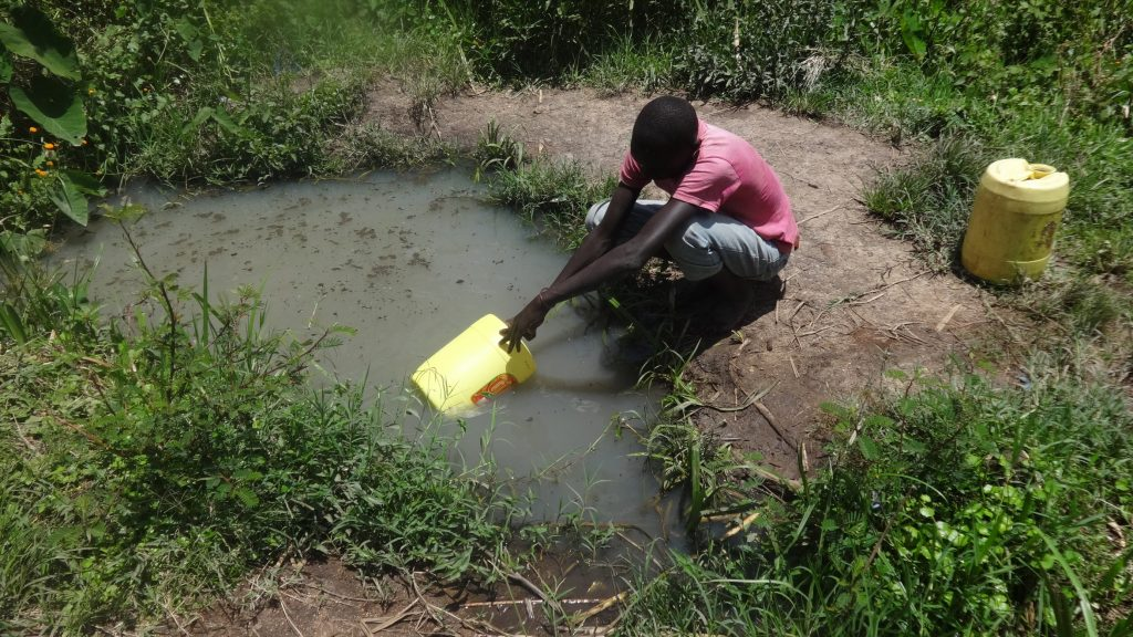 The Water Project : 10-kenya18112-fetching-water
