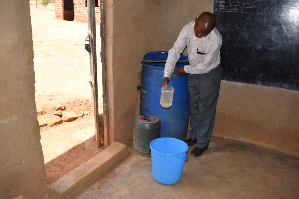 The Water Project : 14-kenya18232-water-storage