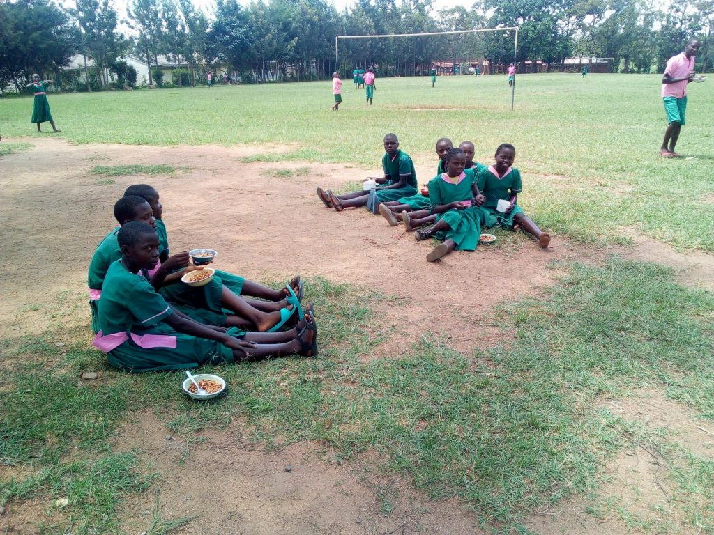 The Water Project : 2-kenya18047-students-eating-lunch