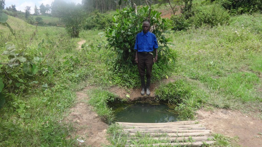 The Water Project : 2-kenya18111-current-water-source