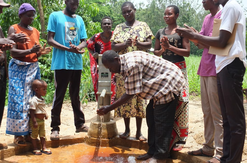 The Water Project : 24-kenya4805-clean-water