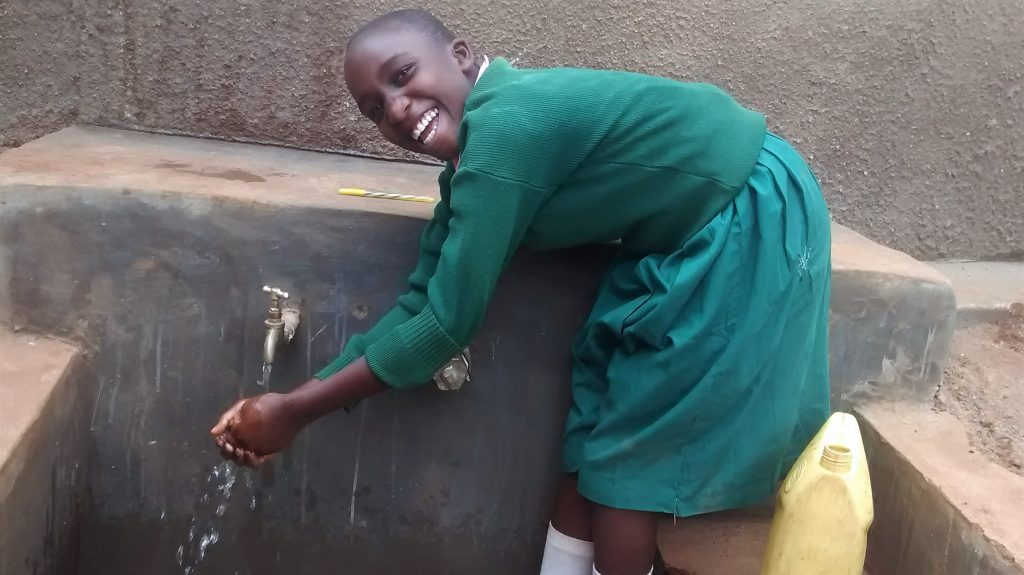The Water Project : 30-kenya18008-clean-water