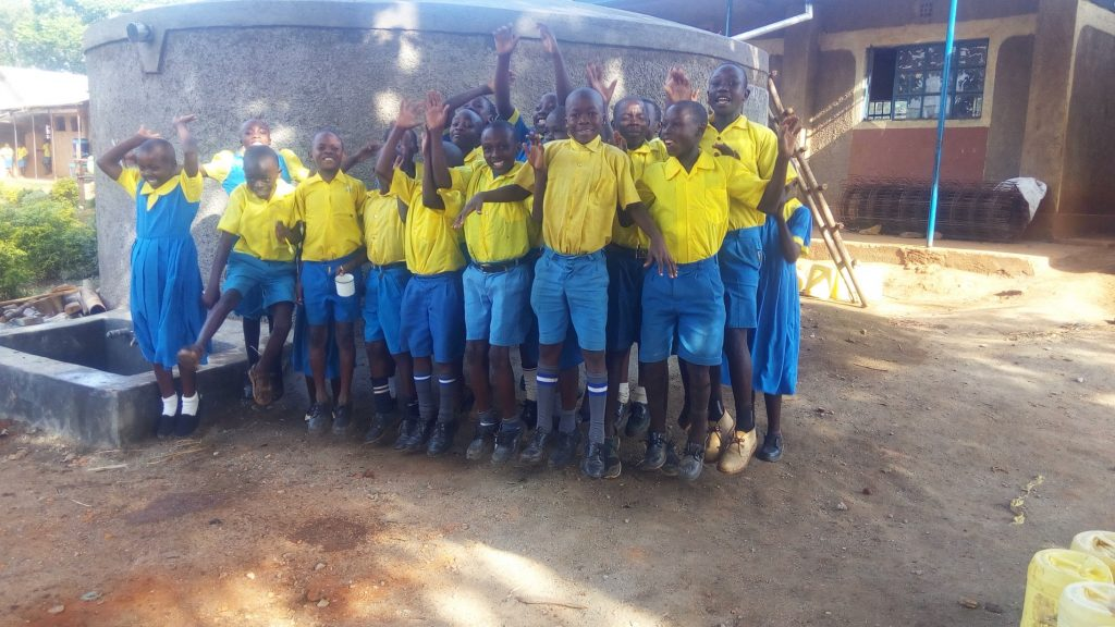 The Water Project : 32-kenya18012-clean-water