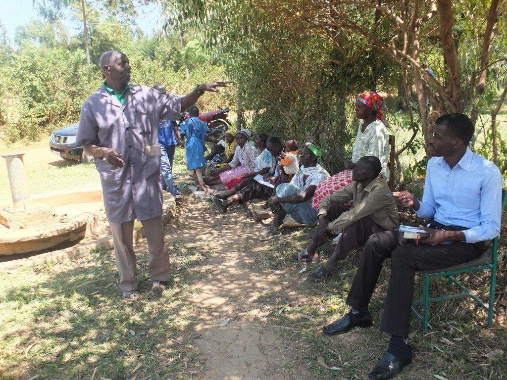 The Water Project : 4-kenya18285-community-members